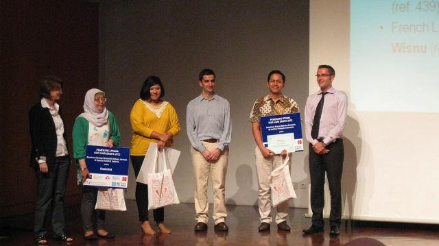 Grand prize winners with representatives of European language centres