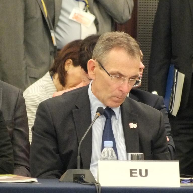 Commissioner Piebalgs_7-MS 768