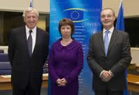 left to right: Pierre Vimont, Catherine Ashton and David O'Sullivan  photo©EU