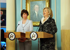 left to right: EU High Representative Catherine Ashton and US Secretary of State Hillary Clinton