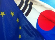 EU and South Korea flags © EU
