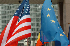 EU and US flags © EU