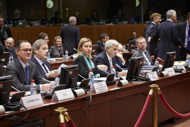 From left to right: Mr Alain LE ROY, Secretary General of the EEAS; Ms Federica MOGHERINI, High Repr