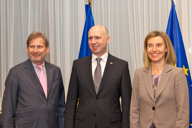 Commissioner Johannes Hahn, Moldovan Prime Minister Pavel Filip and HRVP Mogherini at the EU-Moldova