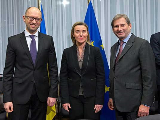 From left to right: Arseniy Yatseniuk, Prime Minister of Ukraine; Federica Mogherini, High Representative of the EU for Foreign Affairs and Security Policy; Johannes Hahn,