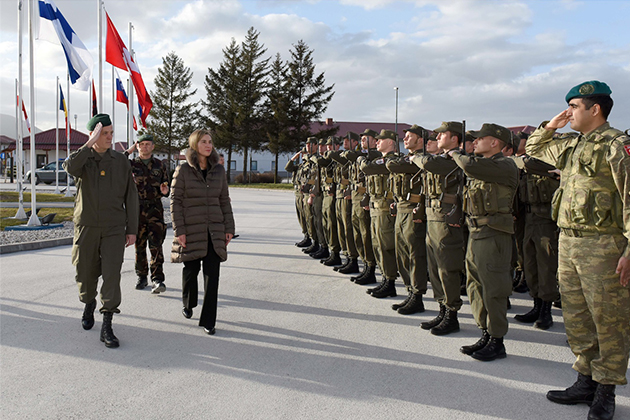 Federica Mogherini with EUFOR Althea guards