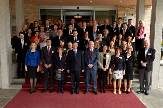 Family photo of the conference participants. In the middle, Minister of Foreign Affairs of Slovenia