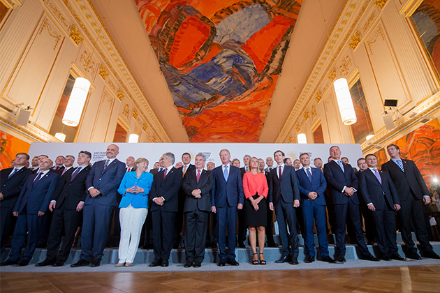 Western Balkans Summit in Vienna - family photo